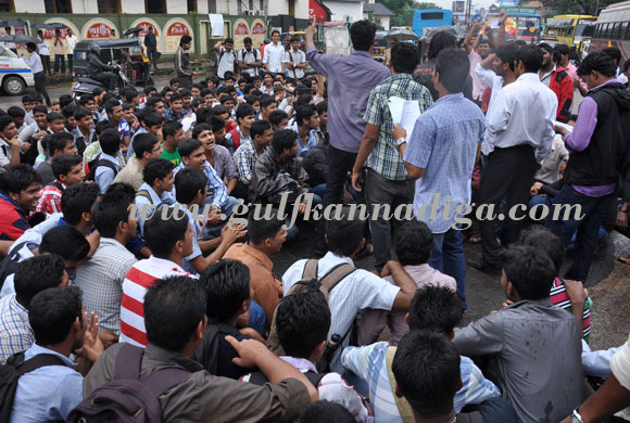 all_clg_protest_4