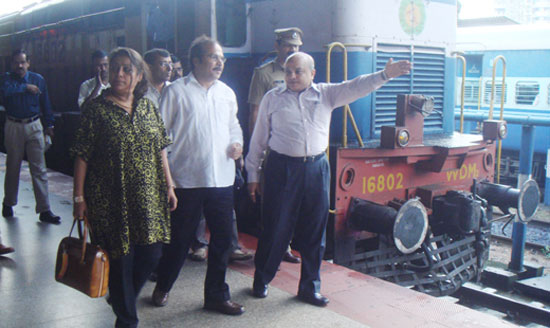 railway_ministr_surtkal_1