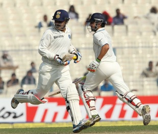 Cricket - India v England 3rd Test Day 4