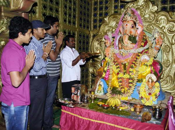 People celebrate Ganesha chaturthi at Sheshadripuram in Bamgalore on Monday-KPN