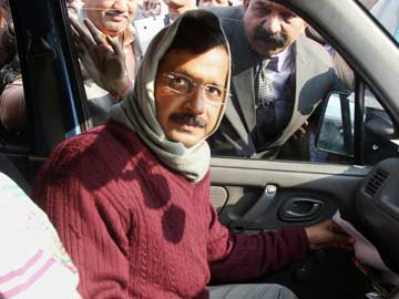 Arvind_Kejriwal_in_his_car_PTI_360