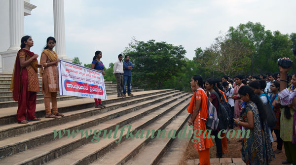 Student's_-Council_protest3