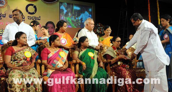 Bang Kitturu Rani award_May 26_2014-006