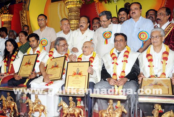 CM presents Kempegowda awards_June 27_2014_001