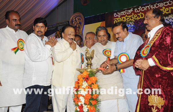 CM presents Kempegowda awards_June 27_2014_003