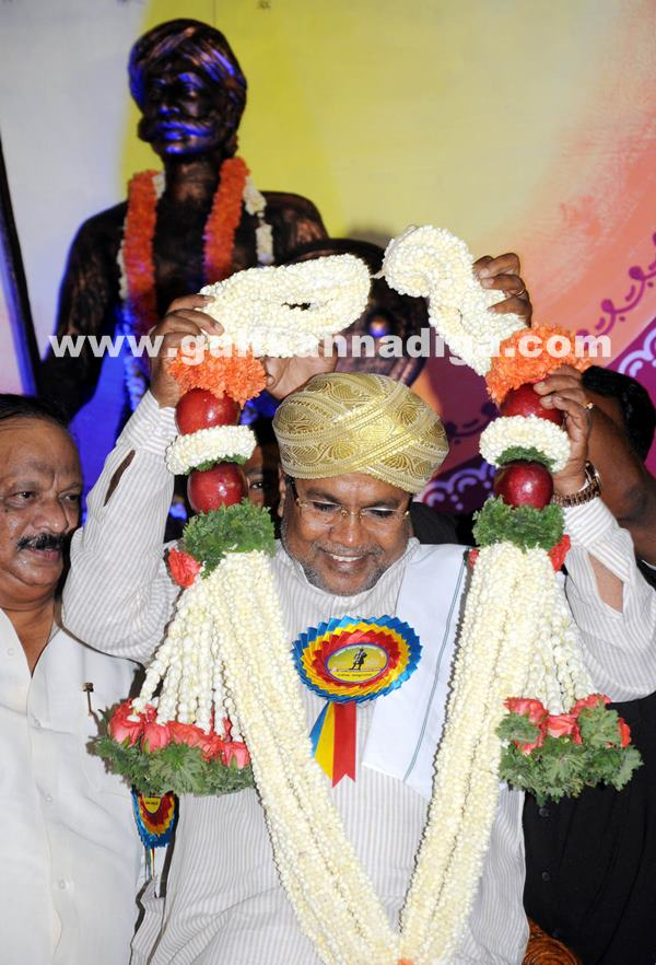 CM presents Kempegowda awards_June 27_2014_004