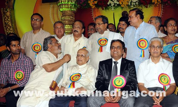 CM presents Kempegowda awards_June 27_2014_008