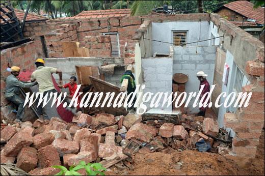 Compound_wall_collapse