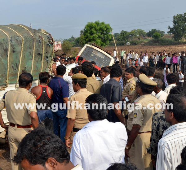 Gulbarga accident_June 2_2014-006