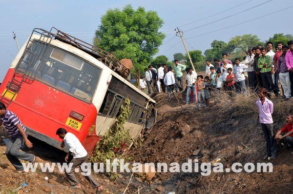 Gulbarga accident_June 2_2014-009