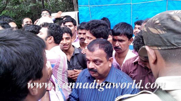 Gurupura_Accident_Protest_7