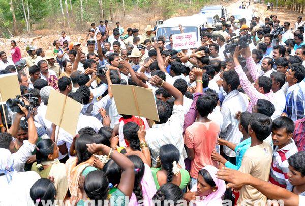 Manduru Village protest_June 1_2014-008
