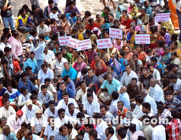 Manduru Village protest_June 1_2014-016