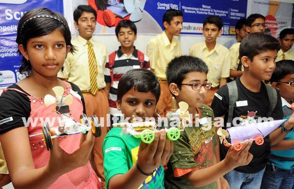 Mega hands-on science contest_June 29_2014_001