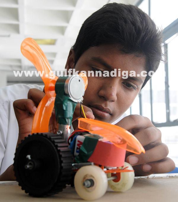Mega hands-on science contest_June 29_2014_002