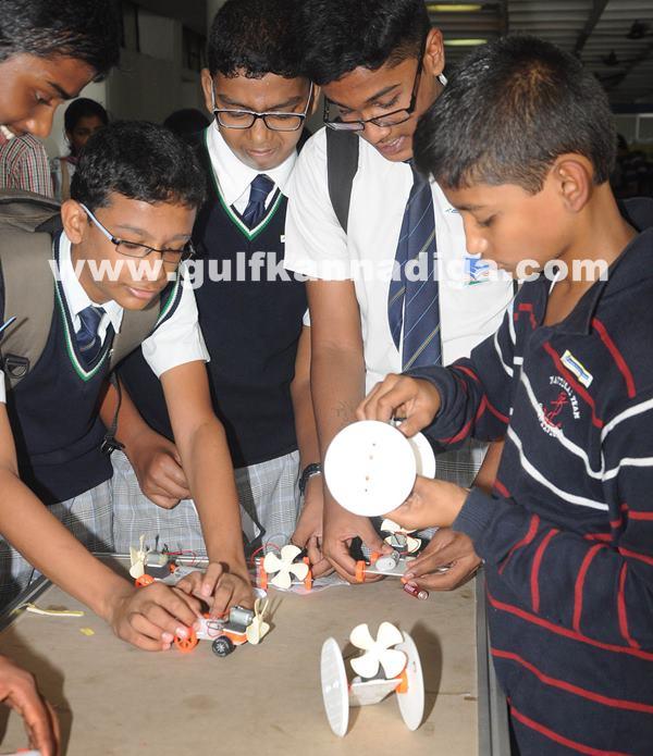 Mega hands-on science contest_June 29_2014_004