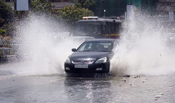 Mumbai havy rain _June 12_2014_007