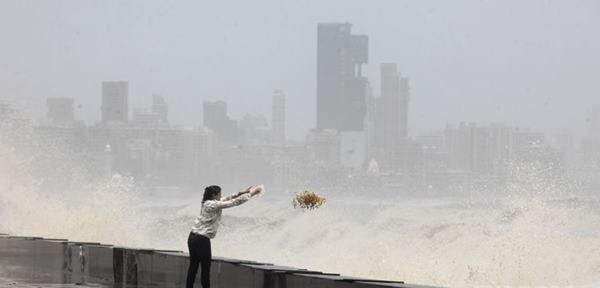 Mumbai havy rain _June 12_2014_024