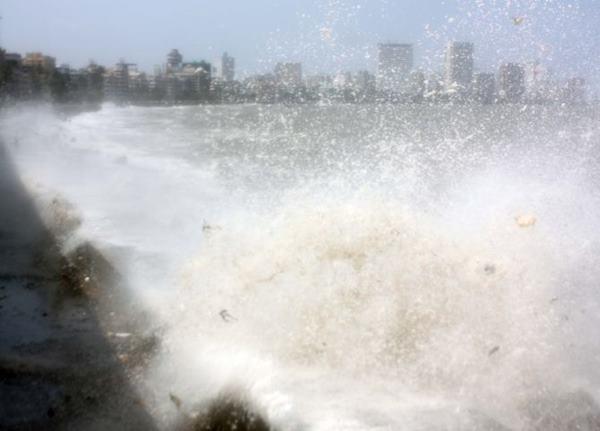 Mumbai havy rain _June 12_2014_028