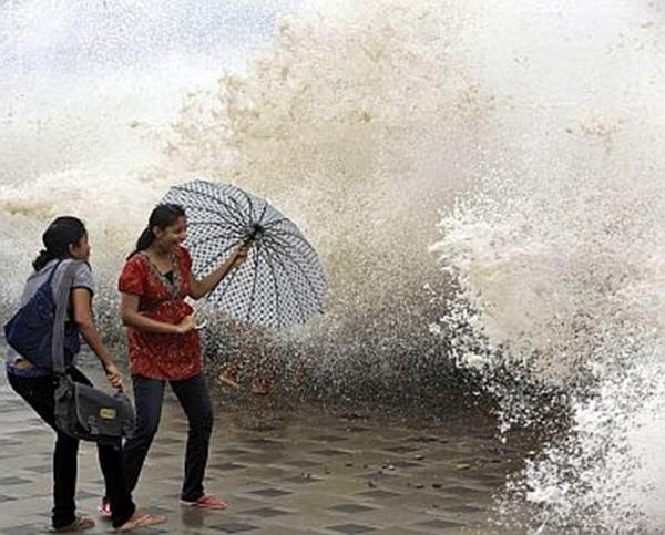 Mumbai havy rain _June 12_2014_029