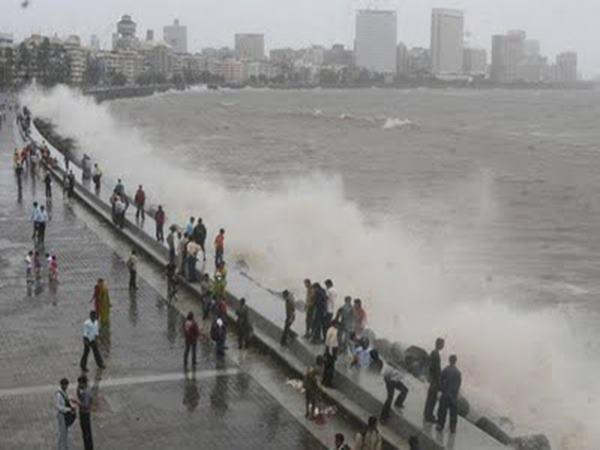 Mumbai havy rain _June 12_2014_031
