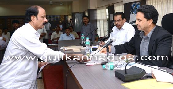 bhat_meeting_govt_2