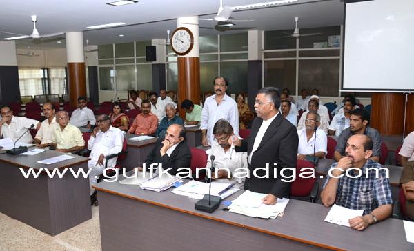 bhat_meeting_govt_4