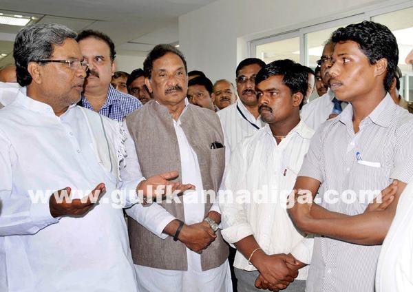 Belgaum CM visits KLE Hospital_July 6_2014_008