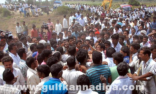 Chikmagalur clash between villagers_July 4_2014_002