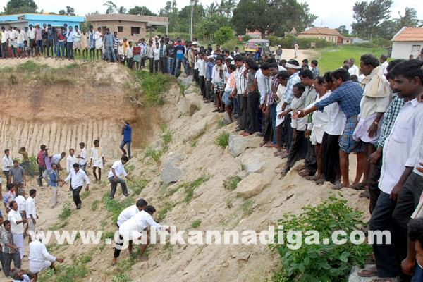 Chikmagalur clash between villagers_July 4_2014_003