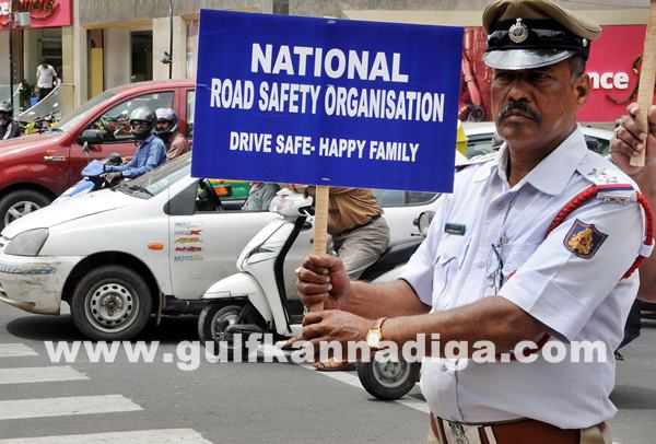 Gesture to Traffic Police Constables an event_July 2_2014_001