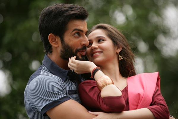Sasha Agha Khan to romance Jay Bhanusali in Desi Kattey5