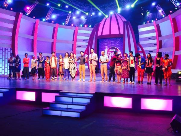 Sandip Soparrkar with team of Close up Bharat Ki Shaan Let's Dance1