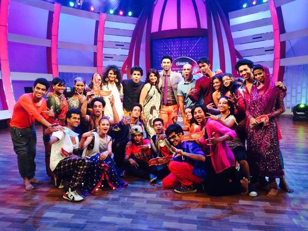 Sandip Soparrkar with team of Close up Bharat Ki Shaan Let's Dance3