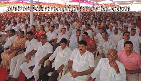 C.M. Siddaramayya_ inaugurates_ Gurupeeta (14)