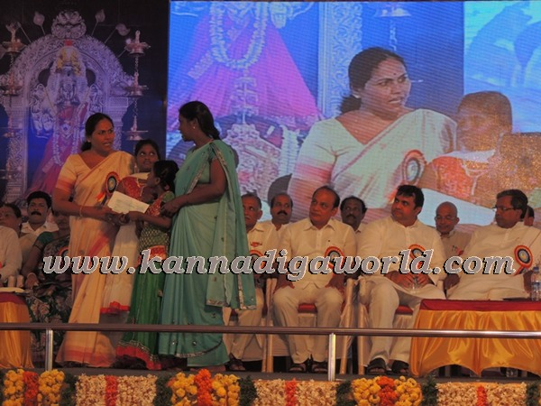 C.M. Siddaramayya_ inaugurates_ Gurupeeta (22)