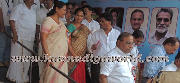 C.M. Siddaramayya_ inaugurates_ Gurupeeta (31)