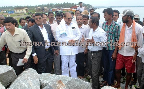 Chinchanasooru visit gangolli harbour (1)
