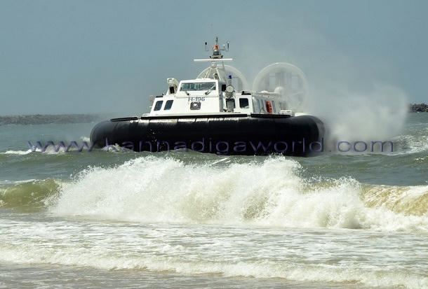 Hovercraft_Boat_Mlore_1