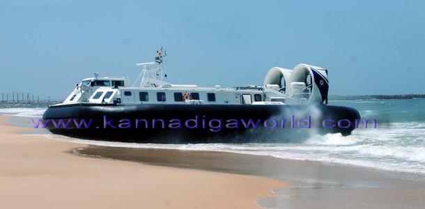 Hovercraft_Boat_Mlore_2
