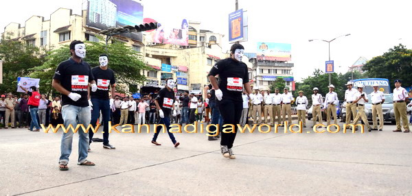 Traffic_Mime_Show_7