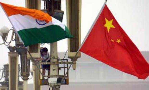 india-china-flags