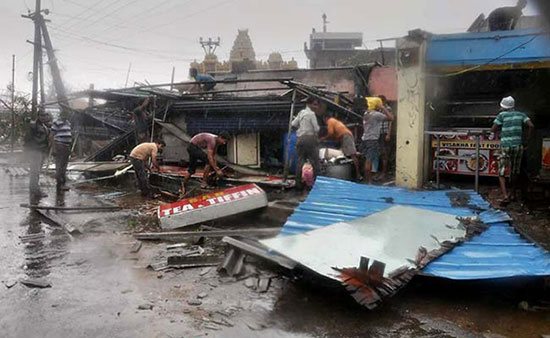 Cyclone_Hudhud_damage_V