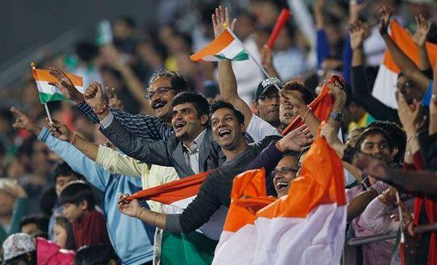 India-hockey-fan_7
