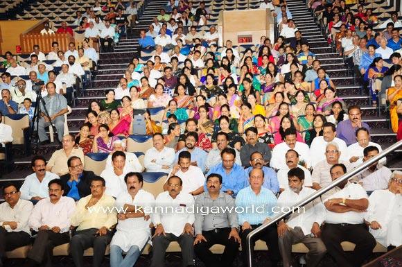 Mumbai_bunts_President_15a