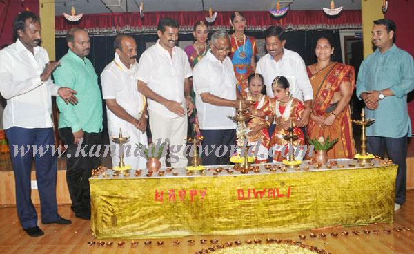 Sanidya_Deepavali_1
