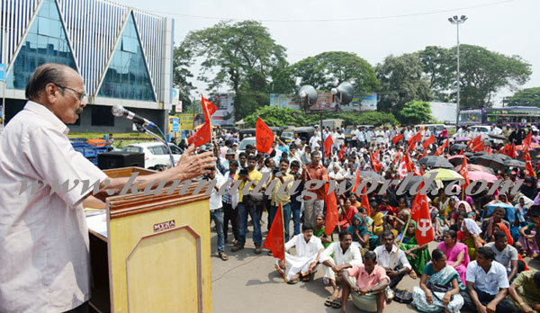 bhat_141014_protest8a