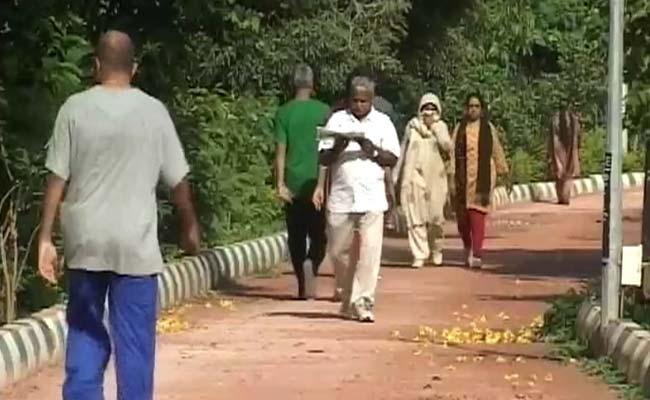 Bengaluru_morning_walk_dirty_air_650_12Nov14