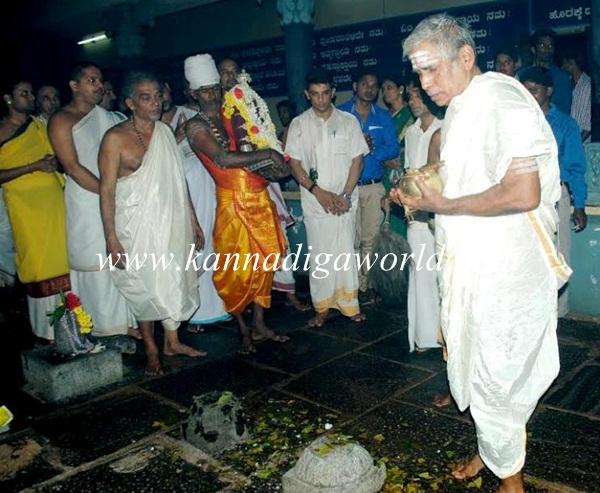 Kundheshwara _Deepotsava_2014 (12)