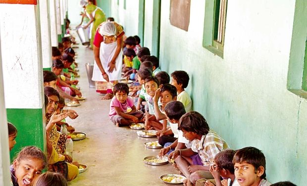 Mid-day_meal_served_by_dalit_cook_0